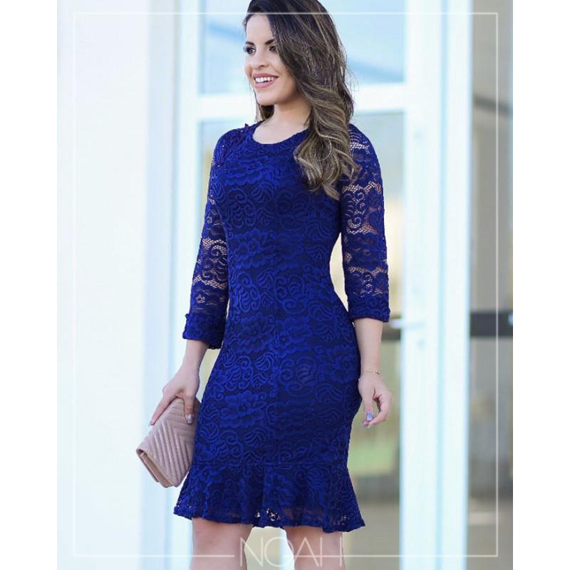 Vestido tubinho de renda azul royal