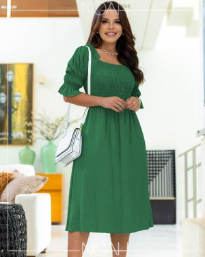 Vestido midi evasê manga 3/4 verde | Moda Evangelica e Executiva